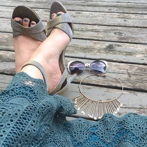 Kelly & Katie}• sparkly silver heels